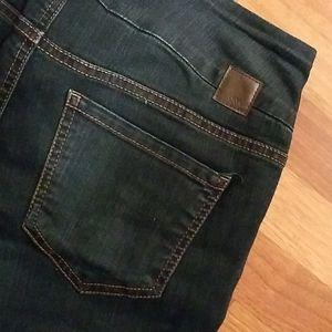 Nice dark Jag pull on jeans